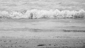 écume et grains de sable pour cette nouvelle vague