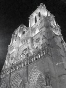Notre Dame de Paris vue de nuit